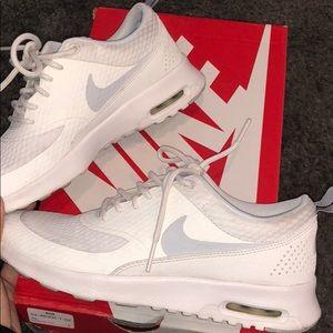 Women's Nike Air Max Thea size 6